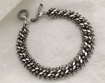 The Viangchan Bracelet