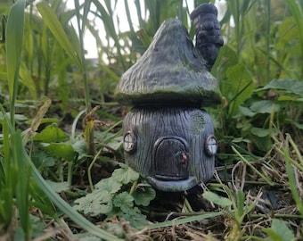 Tiny house . Gnome home!