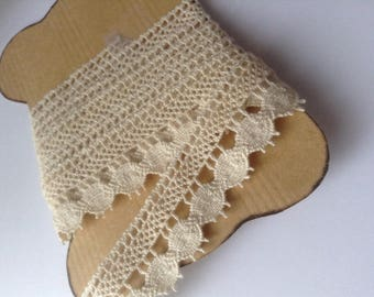 Antique bobbin lace