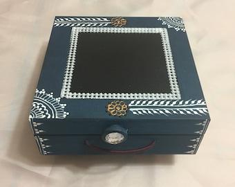 Henna inspired handmade Jewellery box