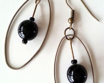 Bronze pearl earrings with black glass