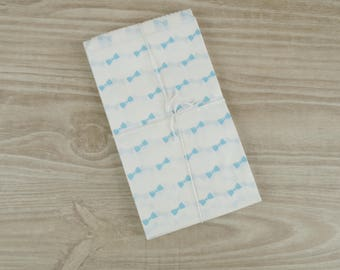 Bags gift bow sky blue - set of 10 - pockets in white paper 9 x 15 cm for jewelry, sweets, candy.