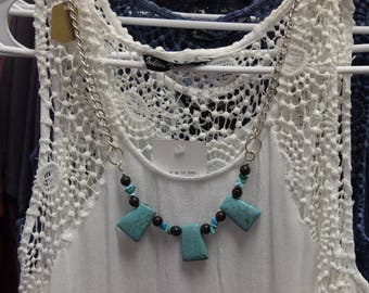 Chain Necklace with Ceramic and Glass Beads.