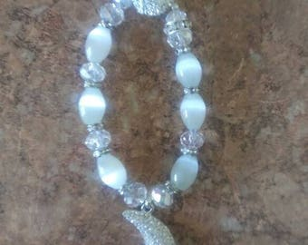 Beaded braclet with moon pendant