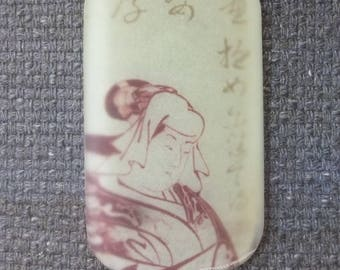 Rectangular pendant in matte resin, drawing Japanese (geisha)