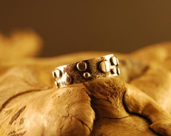"Original and handcrafted silver ring ""puntita"""