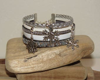"""""""First snow"""" leather, leather Cuff Bracelet sequins, silver and white"""