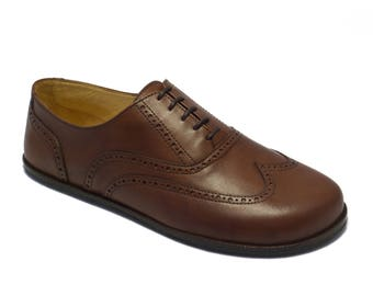 Handmade mens leather shoes/ wingtip oxfords brogued in brown