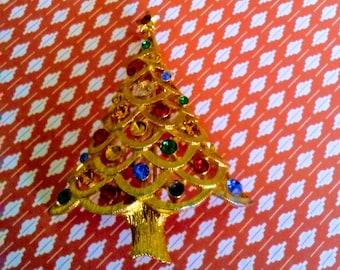 Vintage JJ Christmas Tree Brooch Amulet