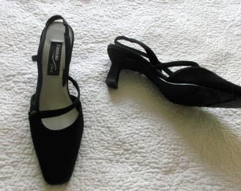 Womens Size 8 Black Shoes