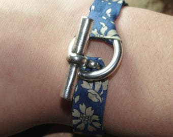 Bracelet Liberty Blue Kit and silver plated toggle clasp