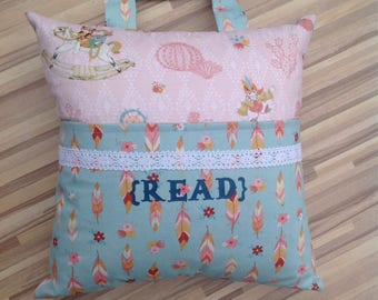 A {Read} pillow