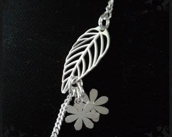 Silver bracelet 925 with a leaf and flowers