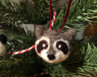 Needle Felt Raccoon Ornament Needlefelt Felted Holiday Decoration - Needlefelt Raccoon Charm/Ornament