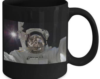 Astronaut Spacewalk 11 oz Mug - Astronomy Science World Space Week