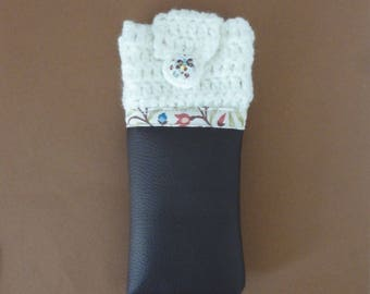 Phone bi-material - wool white leatherette