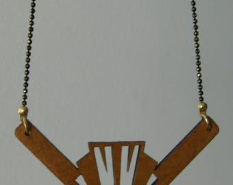 Wood carving necklace with motif Art-Deco