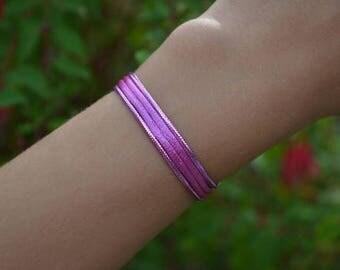Brilliant pink / purple fine bracelet
