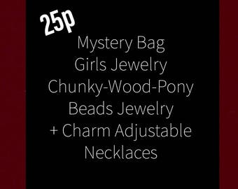 Girl Princess Dress-Up Costume Jewelry 25p Mega Variety of types: Chunky Beads-Wooden Beads-Pony Beads-Charm Necklaces & Bracelets