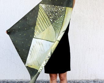Batik foulard on silk natural dyes: GEOMETRIES