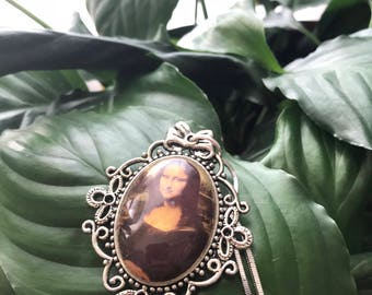 The Mona Lisa Pendant Necklace