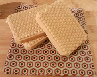 Beelotted Honey and oat Soap