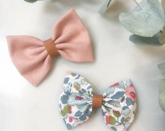 Setof two liberty and linen handmade hair bows