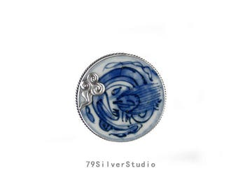 Real chinese Ming Dynasty antique Porcelain 925 Sterling silver · Chi Long Wen (Chi-Hu Wen) pendant brooch