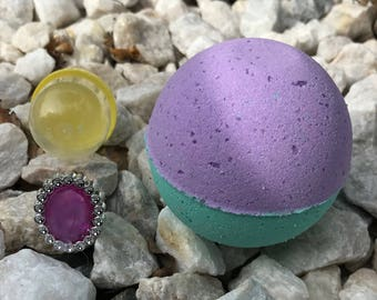 Soak In Silk 5 oz. kids bath bombs with surprise prizes inside pick your scent boy or girl