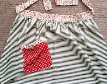 Vintage style apron size small
