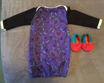 Newborns night gowns .