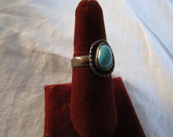 Antique Native American Sterling Silver & Turquoise Ring