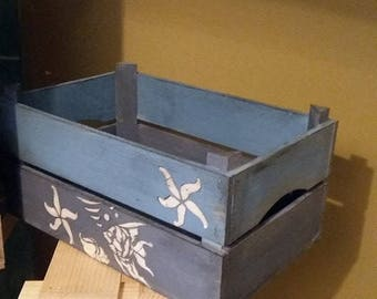 Seaside crate,Wooden fruit crate,Rustic wooden box,Farmhouse crate,Beach decor,Carrier crate,Storage with handle