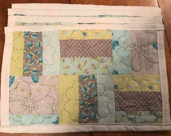 Spring Floral Placemats with flower quilting