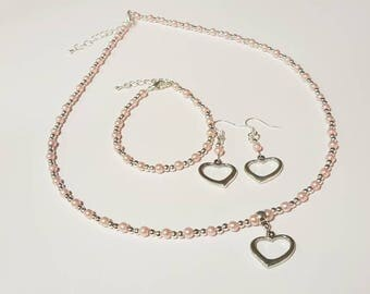 Pink beaded jewellery set