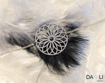 "Necklace ""Rosace"", light gray color"
