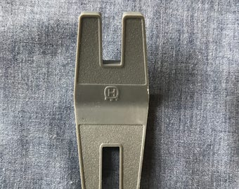 Husqvarna Viking Button Clearance Plate