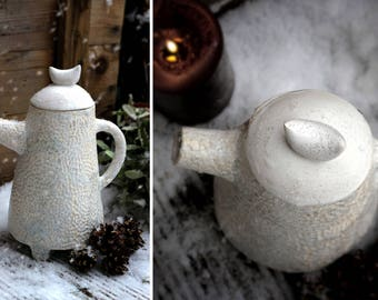 White teapot SNOWY FOREST