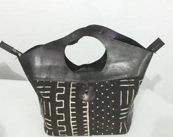 Black leather and bogolan bag