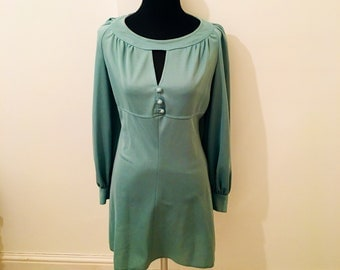 70's vintage MINT GREEN long sleeved dress
