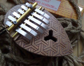 Kalimba / Thumb piano / Mbira - 6 keys - ancestral african instrument - coconutt - Armour design