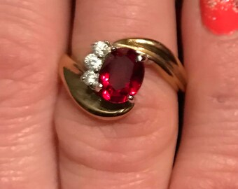 Vintage 18k gold Ruby Diamond ring size 6