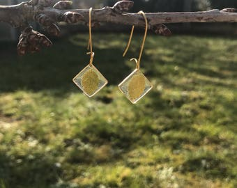 Leaves and diamonds gold earrings