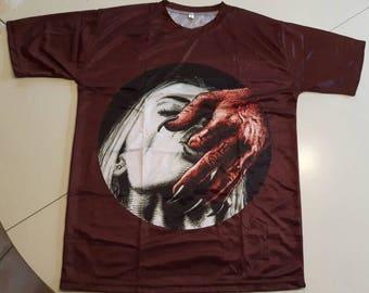 Devil T-shirt in size L