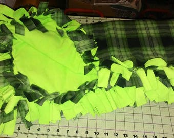 Green plaid no sew fleece throw