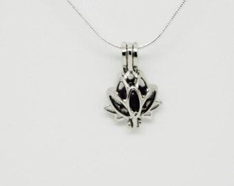 Lotus pendant necklace