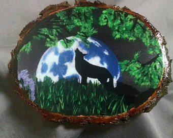 Wolf Silhouette Howling at the Moon Plaque