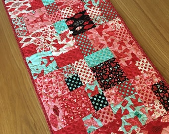 Patchwork Table Runner - Cobblestones in Kiss Kiss by Moda -  Eiffel Tower - Paris Fabric, red aqua pink black, quilted runner, pamelaquilts