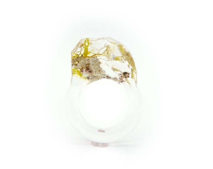 Faceted Terrarium Ring • Size 7.5 • Eco Resin Moss Ring • Unusual Art Nature • Faceted Terrarium • Geometric Terrarium Ring • Plant Jewelry