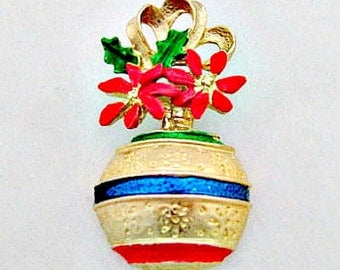 Christmas Brooch Pin - Vintage Ornament Pin - Christmas Pin - Holiday Jewelry - Holiday Pin - Stocking Stuffer - Christmas Jewelry Gift
